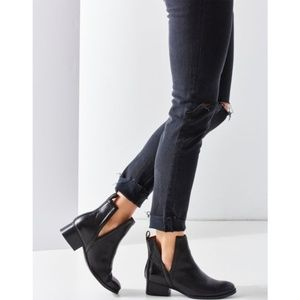 Jeffrey Campbell Oriley Cutout Ankle Boot 9.5